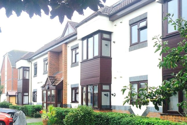 Thumbnail Flat to rent in Pedam Close, Southsea