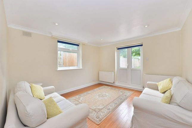 Thumbnail Flat to rent in Munster Road, Fulham