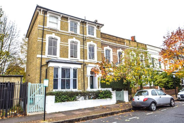 Flat to rent in Benthal Road, London