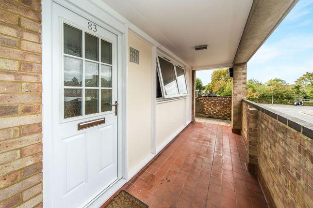 Thumbnail Maisonette to rent in Grove Road, Emmer Green, Reading