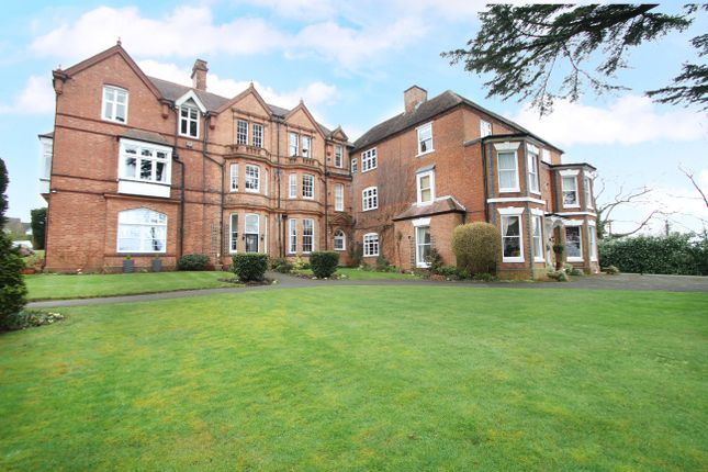Thumbnail Flat for sale in Glasshouse Lane, Lapworth, Solihull