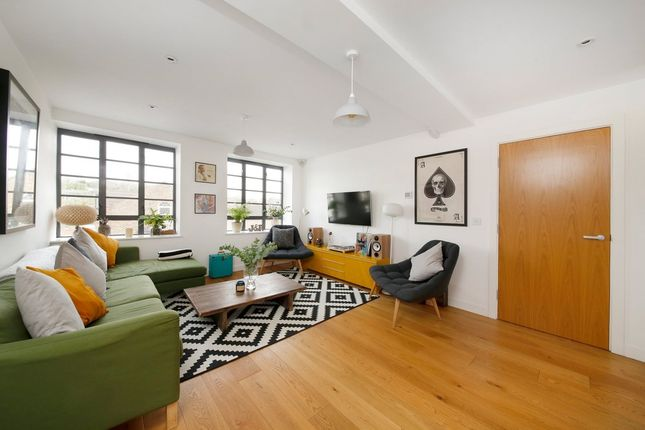 1 bed flat to rent in Stuart Road, London