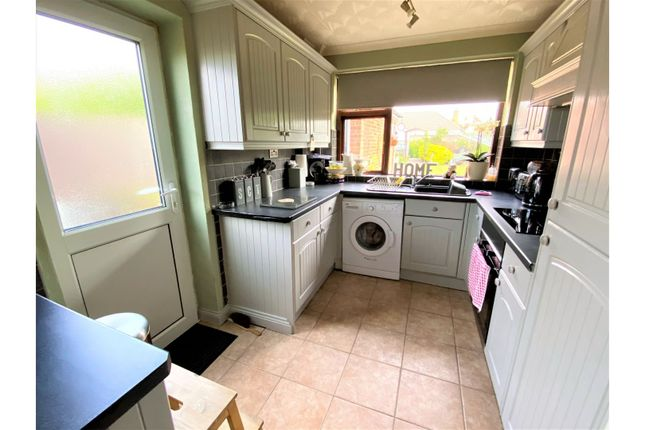 Kitchen of Valiant Close, Glenfield LE3