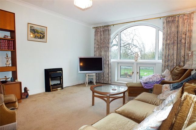 Picture No. 09 of River Terrace, St Neots, Cambridgeshire PE19