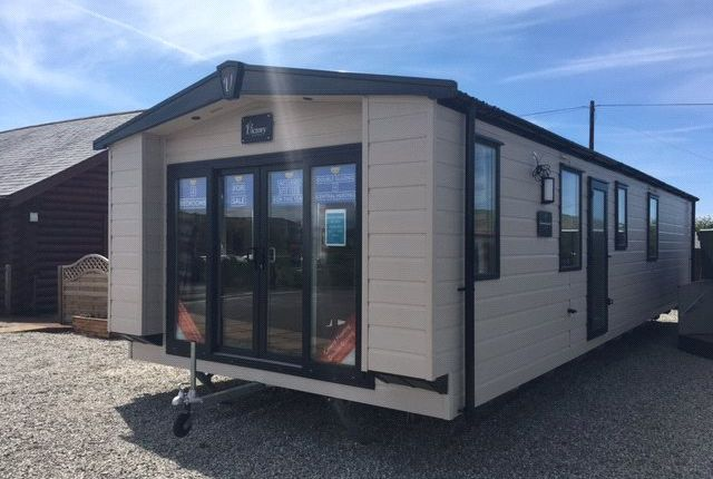 2 bed mobile/park home for sale in Widemouth Fields, Park Farm, Bude