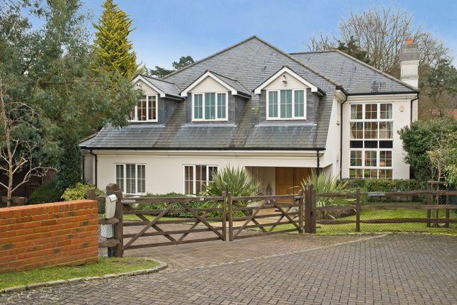 Thumbnail Detached house for sale in Oaksend Close, Oxshott, Leatherhead