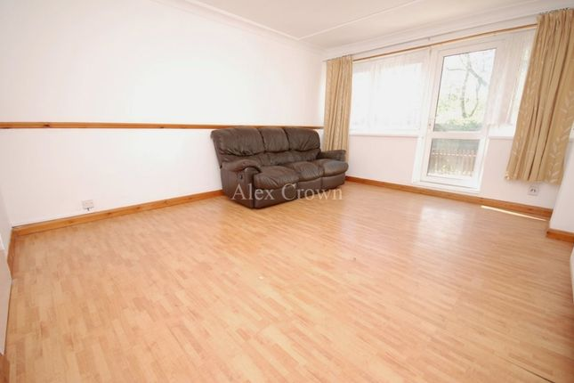 Thumbnail Flat to rent in Globe Road, London