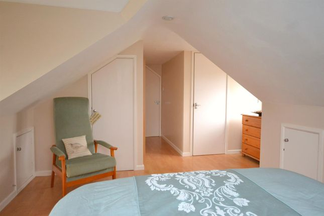 Master Bedroom 1 (8)