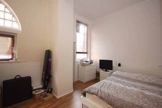 Thumbnail Flat to rent in Bathway, Woolwich