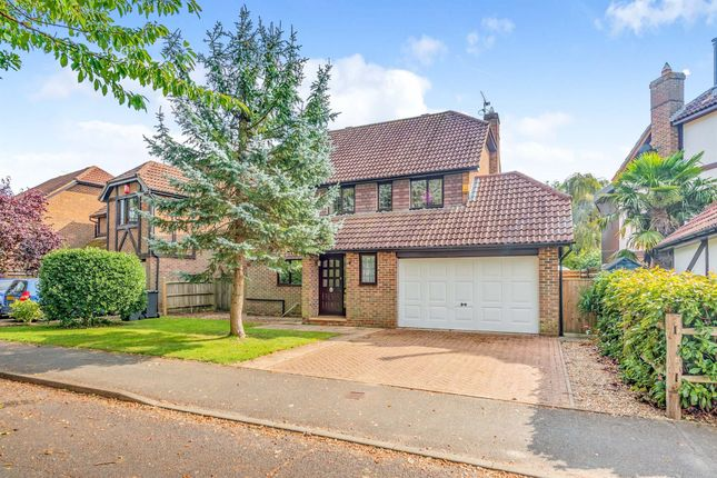 Thumbnail Detached house for sale in Lashmere, Copthorne, Crawley