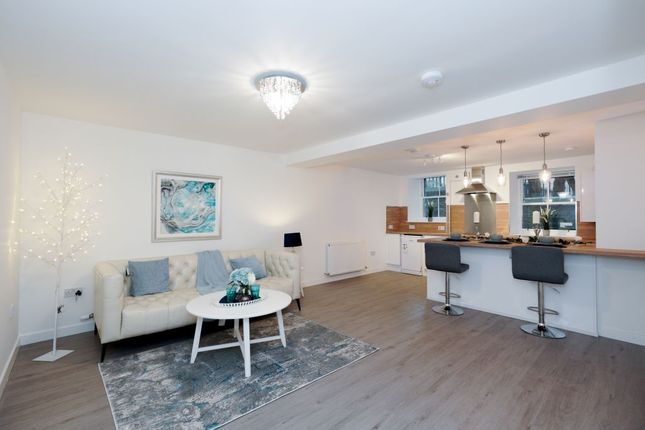 Thumbnail Flat for sale in 2 Coinyie House Close, Old Town
