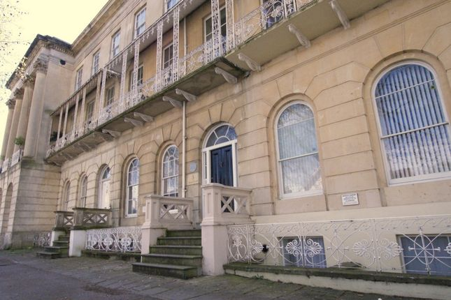 Thumbnail Flat to rent in Queen's Parade, Cheltenham