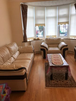 Thumbnail Terraced house to rent in Glasworthy Avenue, Chadwell Heath