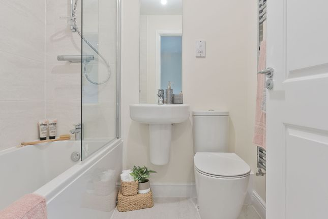 1 bedroom semi-detached house for sale in Walnut Lane, Hartford Grange, Hartford, Cheshire