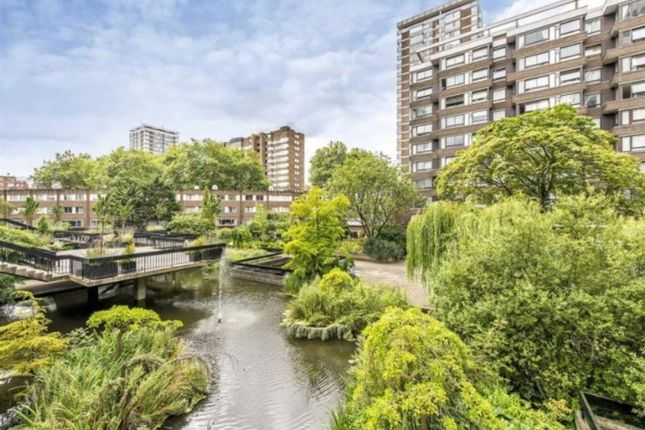 Flat for sale in The Water Gardens, London
