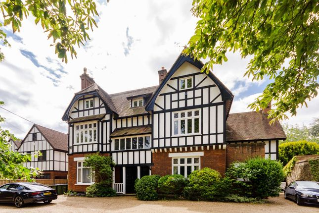 Thumbnail Flat for sale in Beauchamp Road, East Molesey