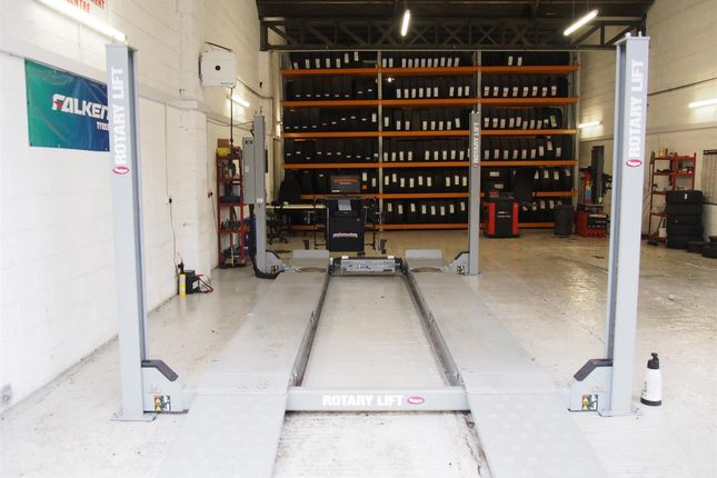 Parking/garage for sale in Vehicle Repairs & Mot WF4, Horbury, West Yorkshire