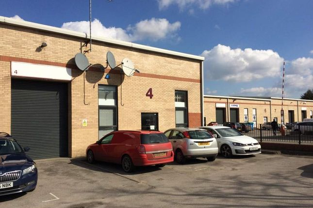 Thumbnail Warehouse to let in Unit 4 Boundary Business Centre, Woking, Surrey