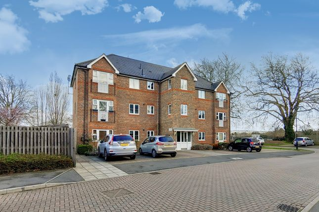 Thumbnail Flat to rent in Eastman Way, Epsom
