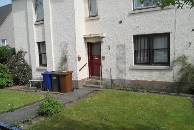 Thumbnail Flat to rent in Pentland Terrace, Penicuik, Midlothian