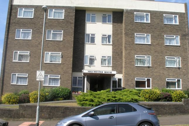 Thumbnail Flat to rent in Staveley Road, Eastbourne