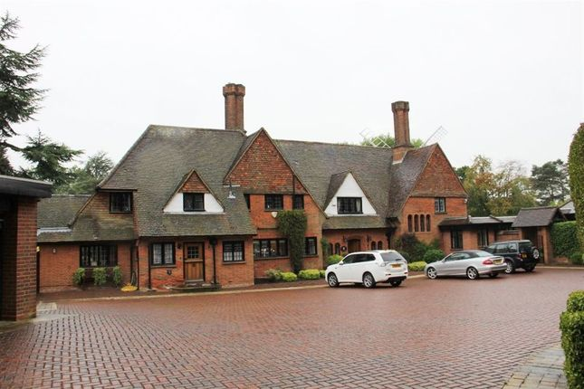 Thumbnail Detached house to rent in Windmill Lane, Arkley, Herts