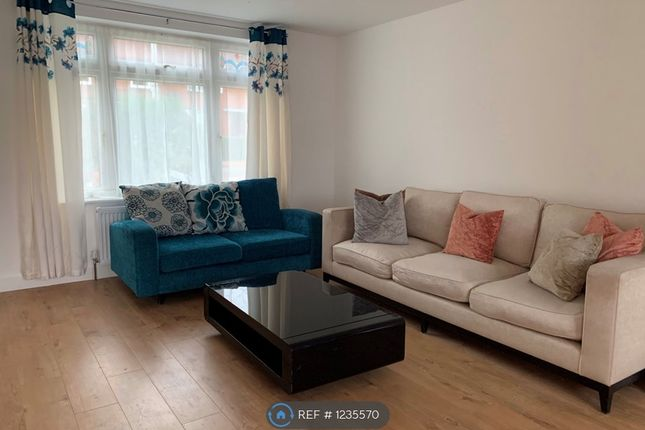 3 bed semi-detached house to rent in Manford Way, Chigwell IG7
