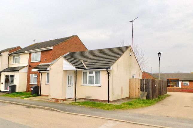 Thumbnail Semi-detached bungalow to rent in Lyle Close, Leicester