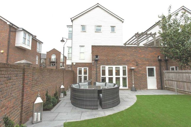 Thumbnail Link-detached house for sale in Portland Place, Greenhithe
