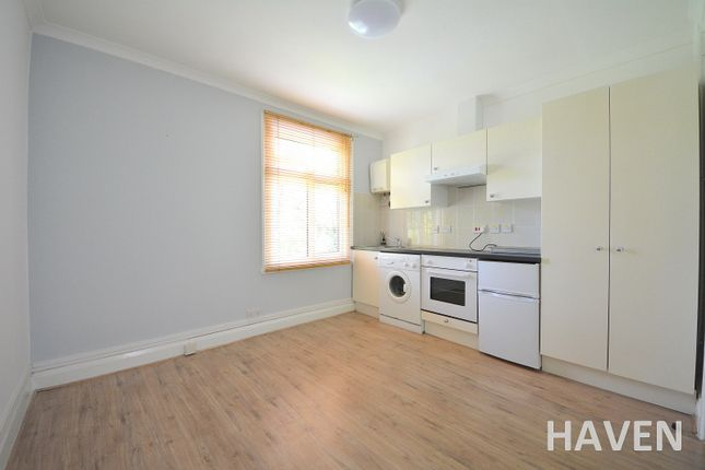 Thumbnail Studio to rent in Durham Road, East Finchley, London