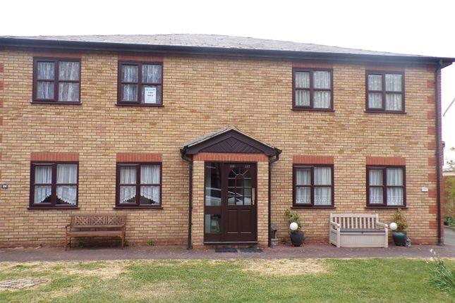 2 bed flat for sale in Trafalgar Road, Gravesend, Kent DA11