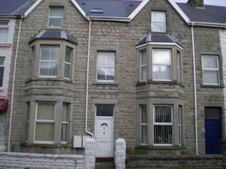 Thumbnail Maisonette to rent in Mary Street, Porthcawl