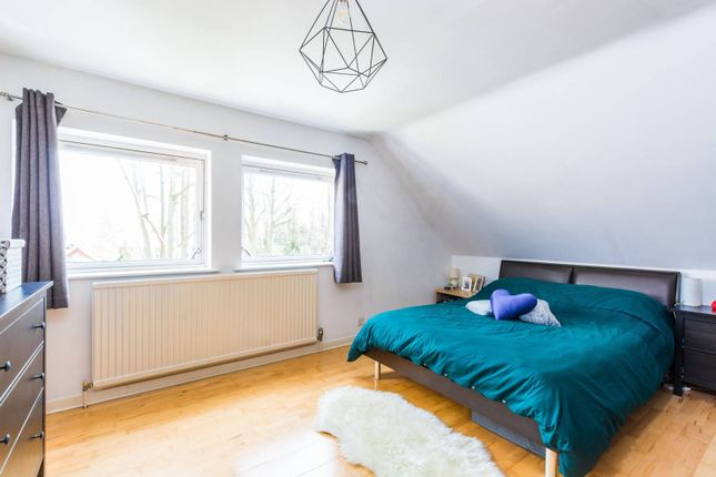 Maisonette to rent in Stanhope Road, Highgate, London