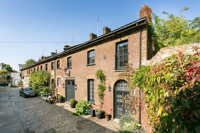 Thumbnail End terrace house to rent in Turnchapel Mews, London