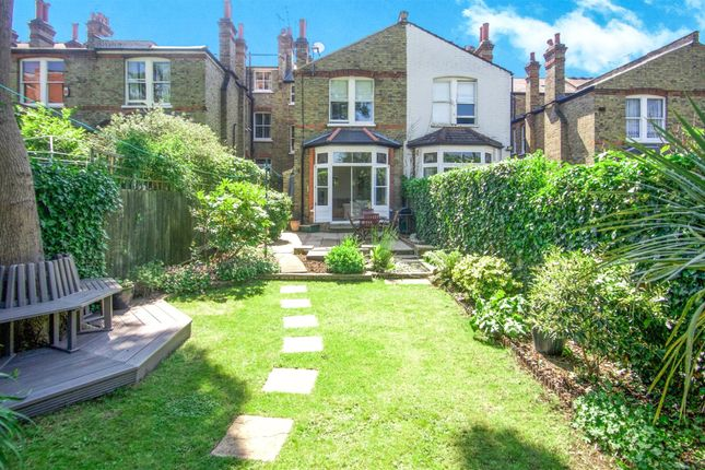 Thumbnail Terraced house to rent in Dukes Avenue, Muswell Hill, London