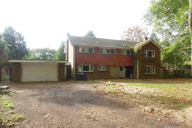 Thumbnail Detached house to rent in Daws Hill Lane, High Wycombe