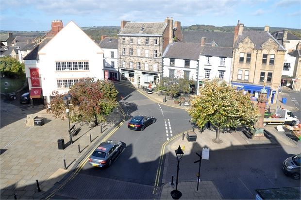 Thumbnail Maisonette for sale in Market Place, Hexham