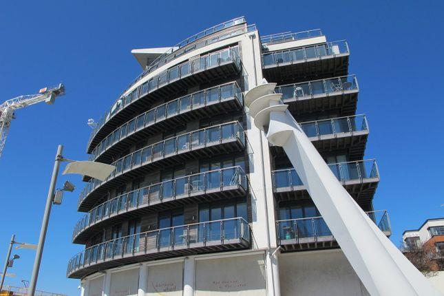 Flat to rent in Channel Way, Ocean Village, Southampton