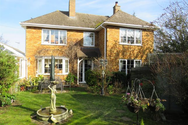 Thumbnail Detached house for sale in New Road, Haddenham, Ely