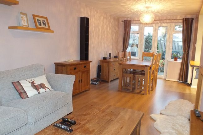 Thumbnail Semi-detached house to rent in West Park Close, Leeds