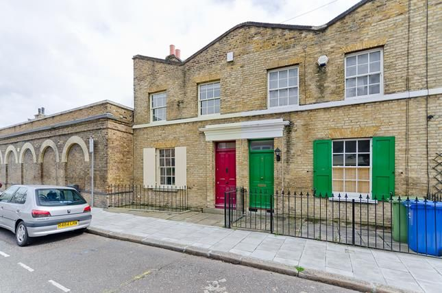 Thumbnail Flat to rent in Pages Walk, Pages Walk, London