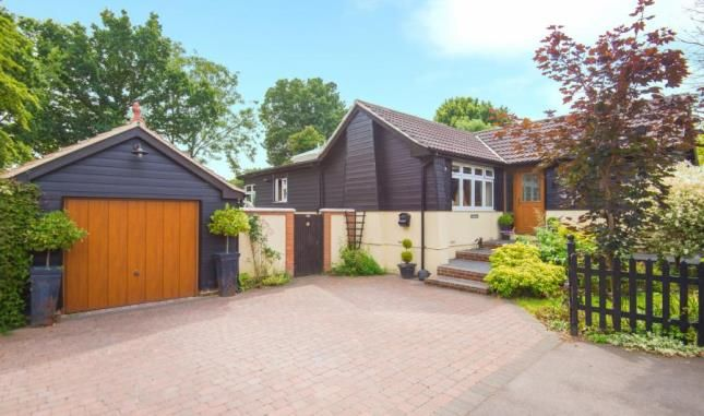 Thumbnail Bungalow for sale in Spring Pond Meadow, Hook End, Brentwood, Essex