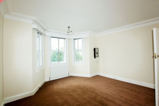 Thumbnail Flat to rent in Brentview House, North Circular Road, Hendon