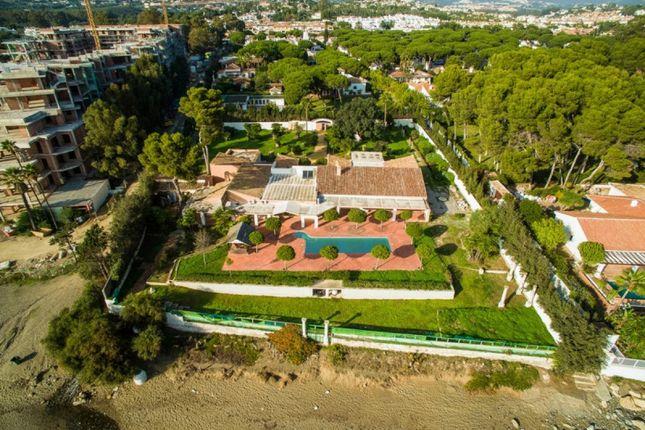 Thumbnail Villa for sale in New Golden Mile, Estepona, Malaga, Spain