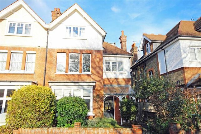 Thumbnail Flat for sale in Spring Grove Road, Richmond