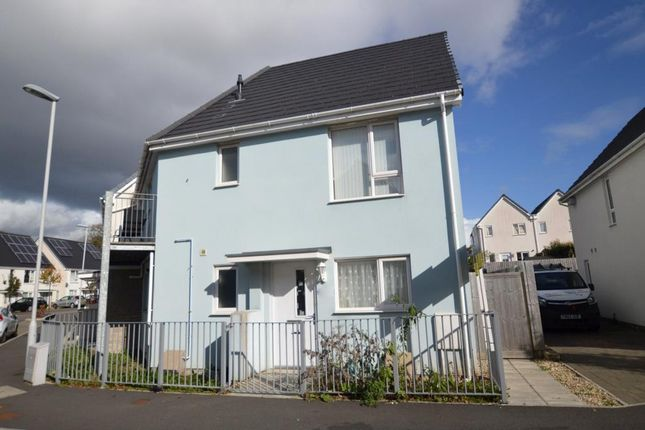 2 bed flat to rent in Yellowmead Road, Plymouth, Devon