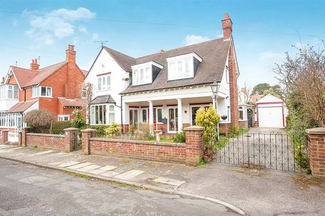 Thumbnail Detached house for sale in Albert Avenue, Skegness