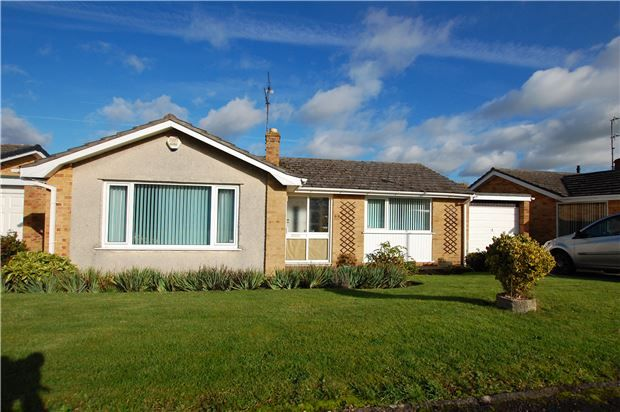 Thumbnail Detached bungalow for sale in Hurn Lane, Keynsham, Bristol