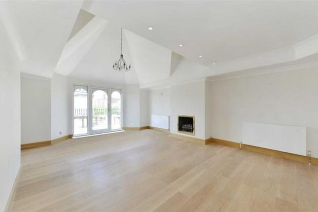 4 bed flat for sale in Bickenhall Street, London