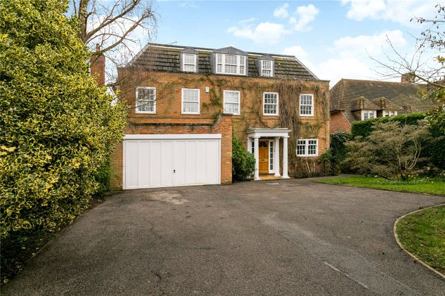 Photo of Curzon Avenue, Beaconsfield HP9
